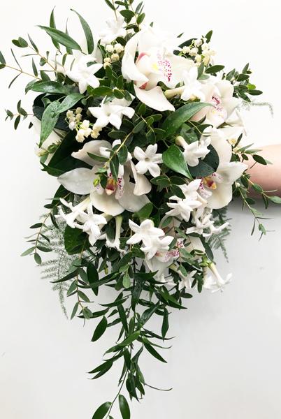 bruidsboeket met witte orchidee